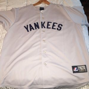 Throwback Yankees Jersey. #5 Joe DiMaggio